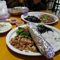 Foto diambil di La Luz Mexican Grill oleh Julieanna D. pada 8/16/2013