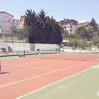 Photo prise au Aykut Barka Parkı Tenis Kortu par Ozan Ş. le7/13/2014