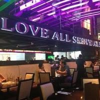 รูปภาพถ่ายที่ Hard Rock Cafe Santiago โดย Gianny เมื่อ 3/27/2013
