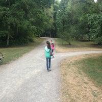 Photo prise au Arboretum Waterfront Trail par Prince D. le8/14/2013