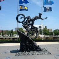 Das Foto wurde bei Harley-Davidson Museum von Ting L. am 6/30/2013 aufgenommen