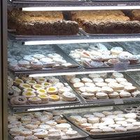 Снимок сделан в Weber's Bakery пользователем Laura G. 1/18/2014