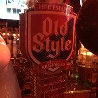 2/16/2013 tarihinde Gavin O.ziyaretçi tarafından Streeter's Tavern'de çekilen fotoğraf