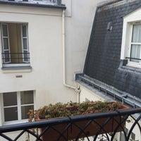 Photo prise au Hôtel Saint-Paul le Marais par Kim P. le11/24/2014