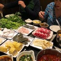 รูปภาพถ่ายที่ 99 Favor Taste 99號餐廳 โดย Kim P. เมื่อ 3/31/2019