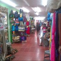 Foto tomada en Mercado 28 por Moises M. el 12/28/2012