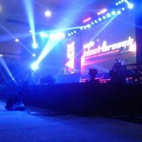 Das Foto wurde bei Jogja Expo Center (JEC) von BILLY B. am 5/11/2013 aufgenommen