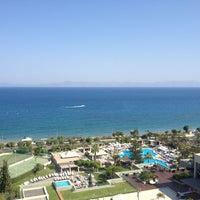Снимок сделан в Sheraton Rhodes Resort пользователем Denis 8/4/2013