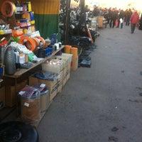 10/1/2013 tarihinde До🅱®ый Д.ziyaretçi tarafından Авторынок «Алмаз»'de çekilen fotoğraf