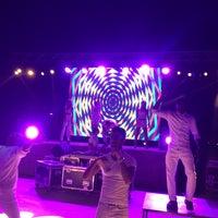 Foto tomada en Cesars Night Club por TC Serpil E. el 6/23/2018