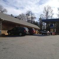 1/19/2013にLarry R.がcrossroads country storeで撮った写真