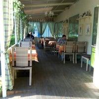 Foto scattata a Pesto Cafe da Liliya U. il 7/2/2016