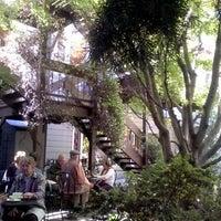 Снимок сделан в Arlequin Cafe & Food To Go пользователем Sherry E. 6/20/2013