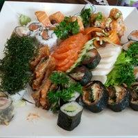 4/26/2013にMeri K.がYatta Sushiで撮った写真