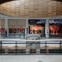 Foto tirada no(a) Portones Shopping por Agustin Z. em 6/22/2013