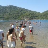 Foto scattata a Kız Kumu Plajı da Hakan E. il 7/3/2013