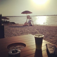 Photo prise au Yas Beach / شاطئ ياس par Shahd A. le6/24/2013