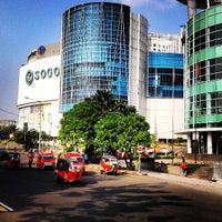 Photo prise au Emporium Pluit Mall par Kyu H. le8/18/2013