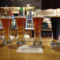 Foto scattata a Outer Banks Brewing Station da Scott K. il 12/2/2012