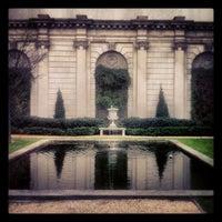 Photo prise au The Frick Collection par Mandi W. le12/16/2012