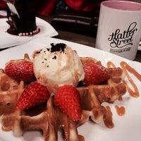 Foto tirada no(a) Hatter Street Bakehouse & Café por Mymy T. em 1/26/2014