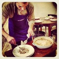 Foto tomada en Triciclo Restaurante y Barra por Julia T. el 7/17/2013