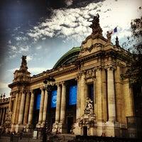 Foto tirada no(a) Grand Palais por Muharrem B. em 7/16/2013