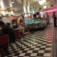 Foto diambil di Lori's Diner oleh Valentina C. pada 8/26/2013