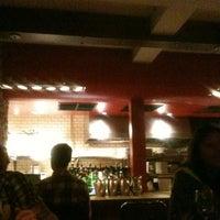 Photo prise au Chez Roger par Anne-Lovely E. le9/28/2012