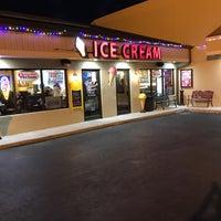 Снимок сделан в Sweet Melissa's Ice Cream Shop пользователем Willie W. 2/17/2018