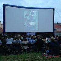 """Foto scattata a Kinas po žvaigždėmis (Kino teatras """"Pasaka"""") da Annika K. il 6/27/2013"""