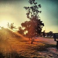 Das Foto wurde bei Memorial Park 3 Mile Trail von Josh L. am 6/28/2013 aufgenommen