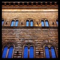 Das Foto wurde bei Palazzo Strozzi von Firenze C. am 7/29/2013 aufgenommen