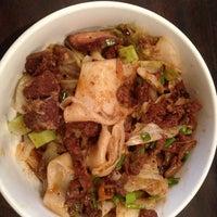 7/20/2013 tarihinde Sherry T.ziyaretçi tarafından Xi'an Famous Foods'de çekilen fotoğraf