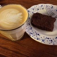 Снимок сделан в Parlor Coffee Roasters пользователем Alexander M. 11/5/2013