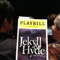 Foto tirada no(a) Marquis Theatre por Seth F. em 4/23/2013