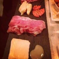 Снимок сделан в Murray's Cheese Bar пользователем Corinne L. 11/18/2012