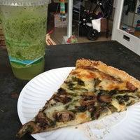 Photo prise au Abbot's Pizza Company par Kenny I. le12/1/2012