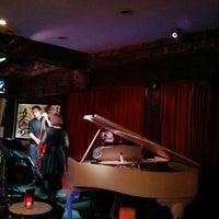 Photo prise au Brasserie & Wine Bar Toulouse Lautrec par nazlyla le6/15/2013