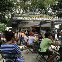 Foto tomada en Shake Shack por Rebecca A. el 7/31/2013