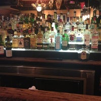 Foto tirada no(a) Hurley's Saloon por Crystal B. em 7/9/2013