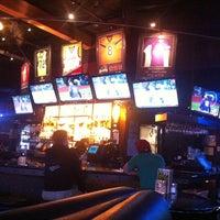 Foto tomada en On Deck Sports Bar & Grill por Kollektiv D. el 6/11/2013