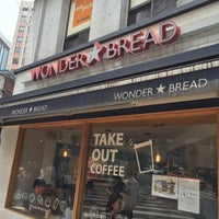 Foto scattata a WONDER BREAD da Hyungkyu R. il 6/20/2016