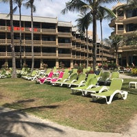 Das Foto wurde bei Kata Beach Resort & Spa von Marina K. am 2/22/2017 aufgenommen
