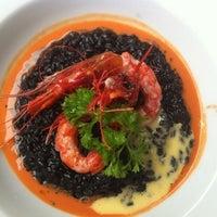 Das Foto wurde bei NO Restaurant von gloria G. am 7/14/2013 aufgenommen