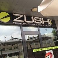 รูปภาพถ่ายที่ Zushi โดย Maira H. เมื่อ 7/17/2013
