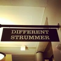 Foto scattata a Old Town School of Folk Music da Slappy M. il 11/18/2012