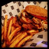 รูปภาพถ่ายที่ Burger House โดย Burger House เมื่อ 7/2/2013