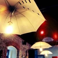 Das Foto wurde bei Casa TIFF von Flavia G. am 10/5/2012 aufgenommen