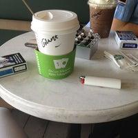 Foto tirada no(a) Starbucks por Gamze B. em 7/11/2013